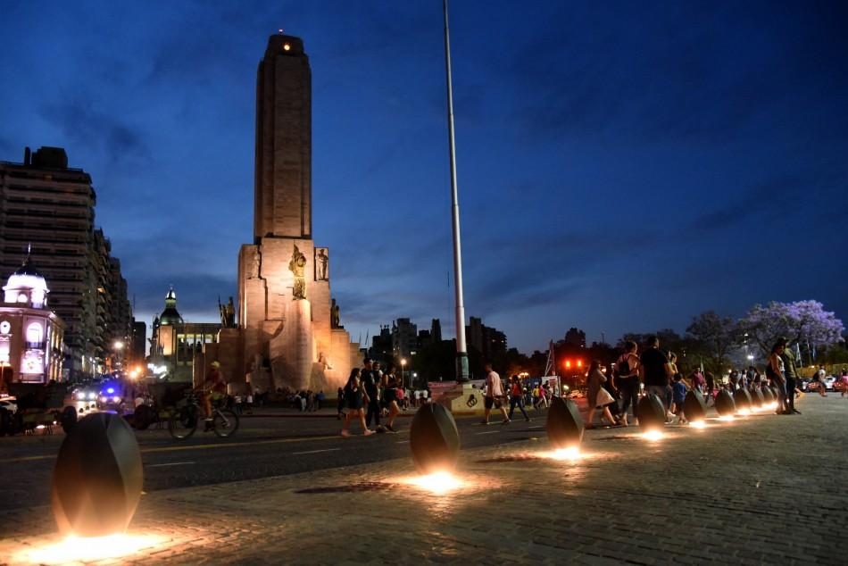 Nuevas luces en el Monumento a la Bandera